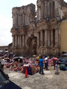 Market in front of the ruins Antigua